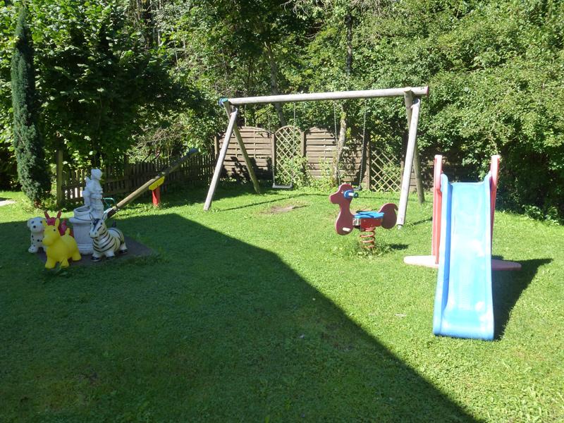 Kinderspielplatz1